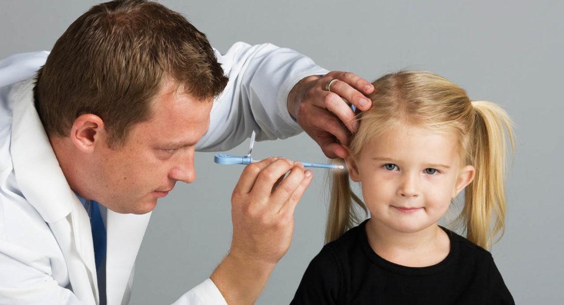 cómo extraer un cuerpo extraño en el oído
