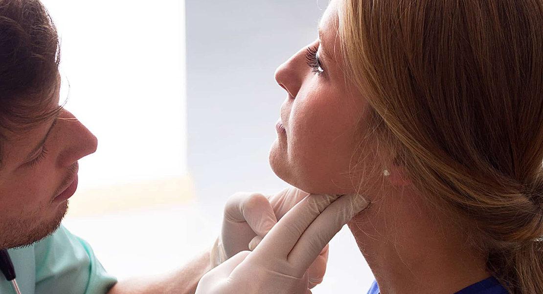 Qué medico opera las amígdalas