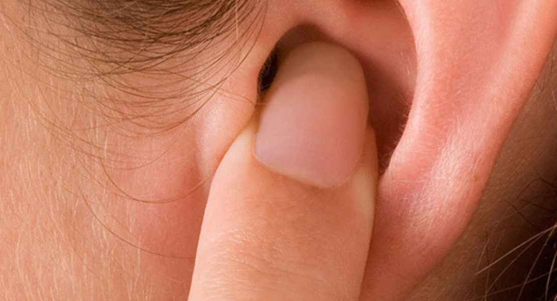 oído supura líquido transparente